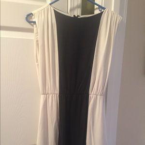Alice + Olivia Sz S P S/P white Black silk Dress